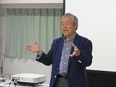 043-表紙富永先生写真2.jpg